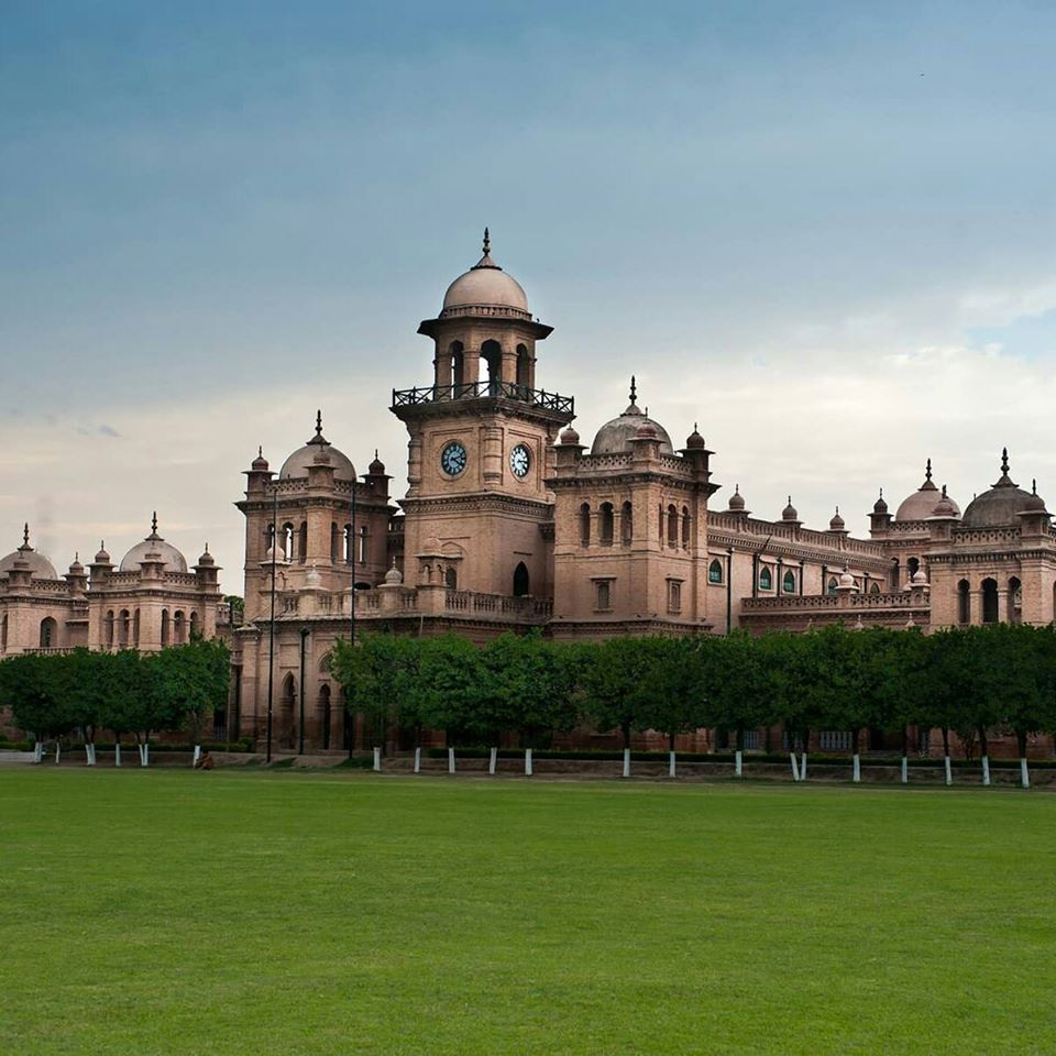 islamia college - historical places in pakistan